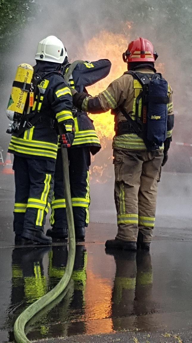 Flasnchbrand-Trainer-mit-Teilnehmer
